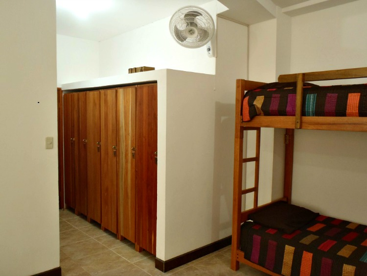 Dorm room with six lockers