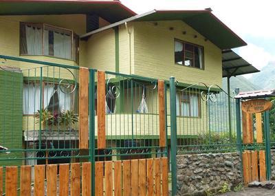 front of la casa verde