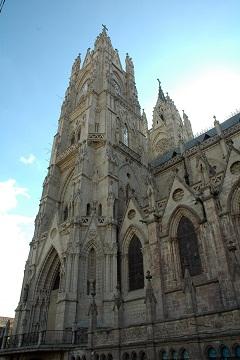 Quito Basilica del Voto Nacional