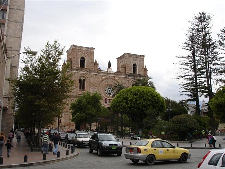 Parque Calderon and the New Cathedral, Cuenca Ecuador