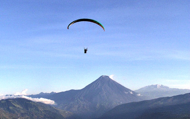 Paragliding with Geotours