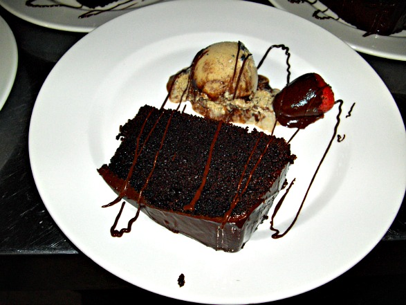 Marquis Restaurant, Tena Ecuador